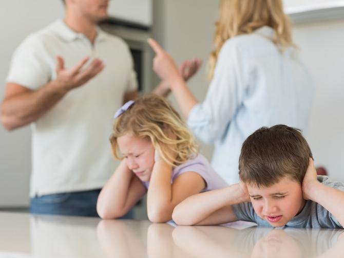 Kako preživeti nesrećan brak svojih roditelja? Jedna rečenica može da promeni sve
