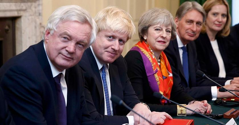 Od lewej: David Davis, Boris Johnson, Theresa May, Philip Hammond i Amber Rudd