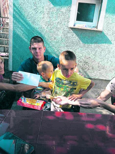 Stefan i Filip iz Aranđelovca bore se sa autizmom i siromaštvom