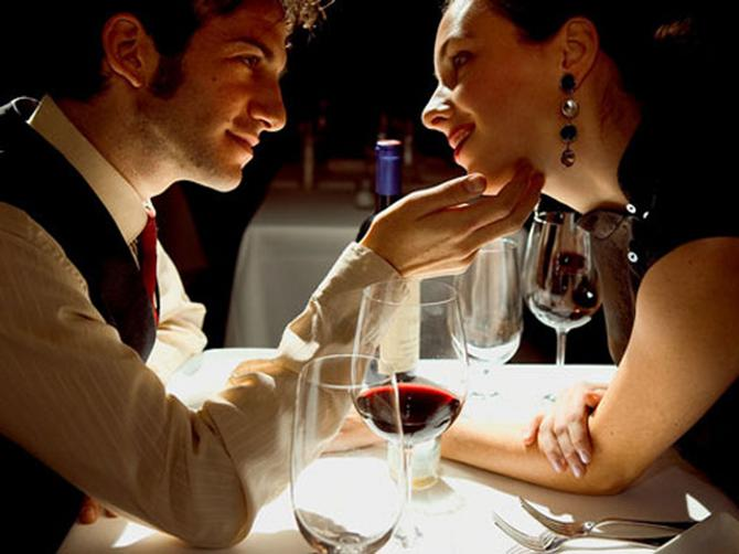 16485_romantic-dinner-valentine