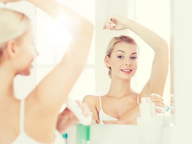Ceo život dezodorans nanosite POGREŠNO: Lekar otkriva kako se to PRAVILNO RADI