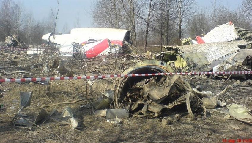 Znalezione obrazy dla zapytania katastrofa smoleńska zdjęcia