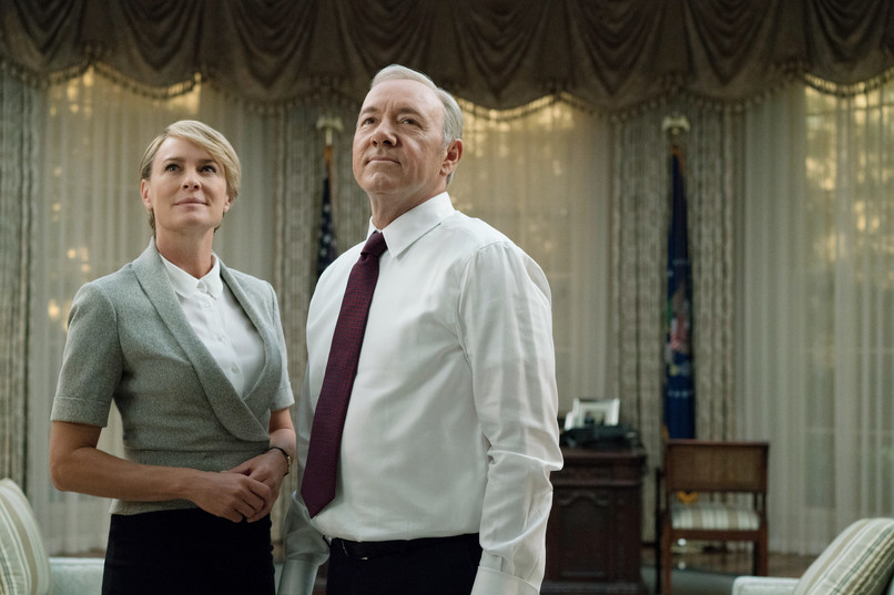 "Robert Rajt i Kevin Spejsi u seriji ""House of Cards"""