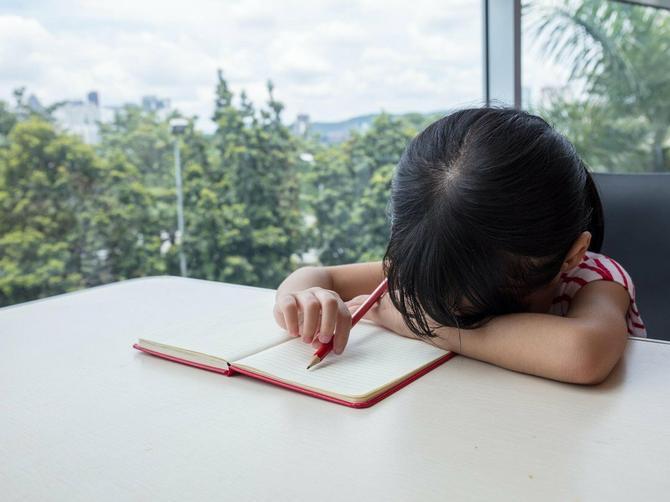 Naš psiholog otkriva: Šta kad dete neće da radi domaći