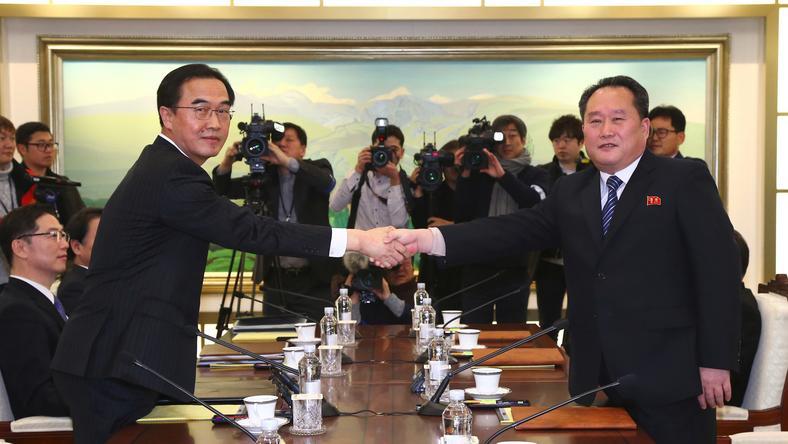 A két Korea két év óta először állt szóba egymással / Fotó-AFP