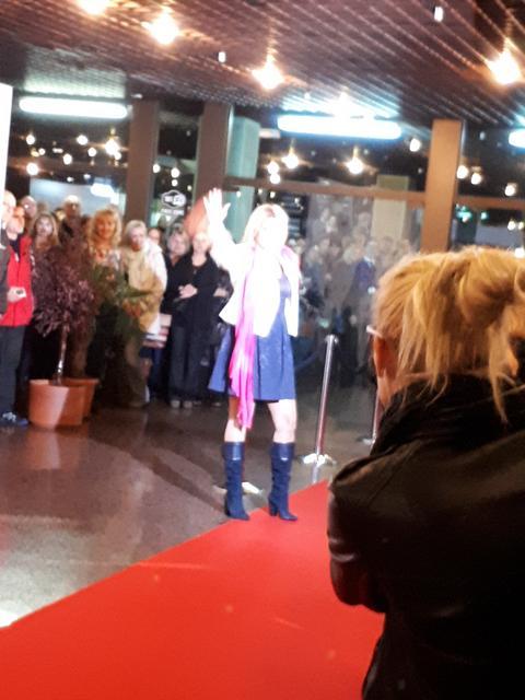 Jelena Golubović napravila incident na otvaranju FEST-a!