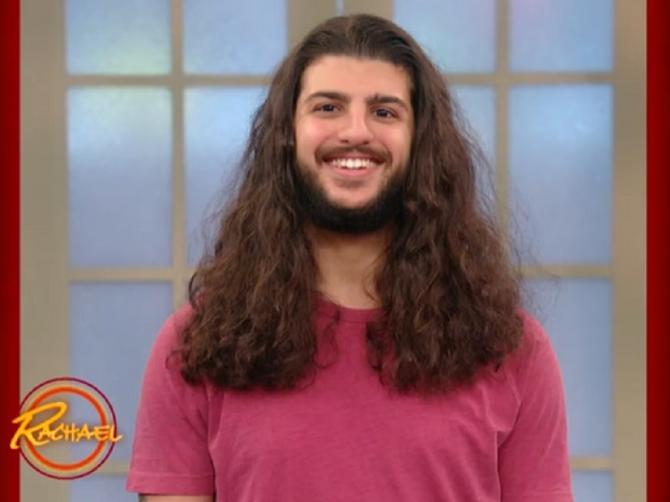 Dozvolio je da mu ošišaju kosu: Ono što je ugledao u ogledalu zapanjilo je milione