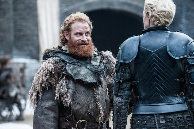 Kristofer Hivju als Tormund Giantsbane und Gwendoline Christie spielt Brienne of Tarth