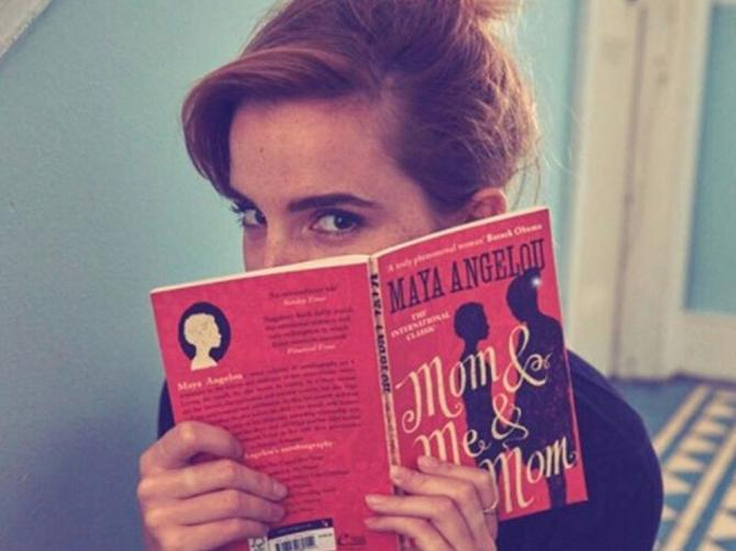 Ema je uzela knjige i uputila se u metro: O njenom potezu bruje društvene mreže!