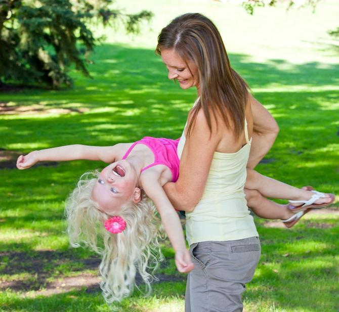 Vestibularna stimulacija je dobar način umirivanja vrlo male dece