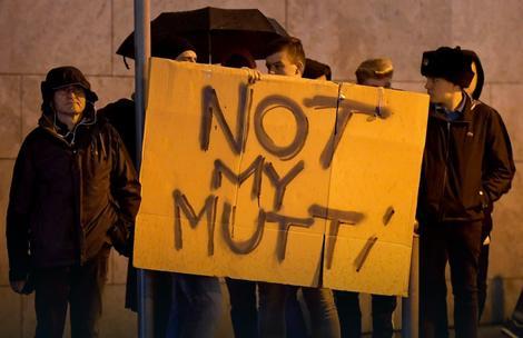 """Protest pristalica AfD: """"Not my Mutti (Nije moja mama - nadimak koji ima Angela Merkel)"""