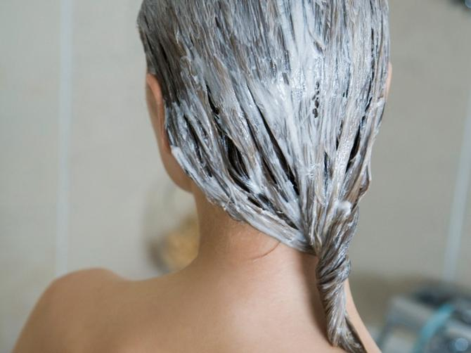 Oprala sam kosu MAJONEZOM i odmah se pokajala: Nakon 30 minuta desio se potpuni preokret!
