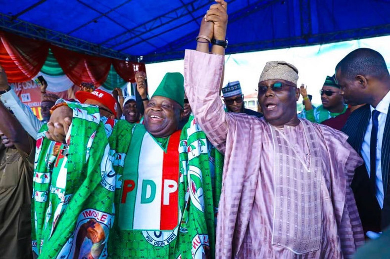 Former Vice-President of Nigeria, Atiku Abubakar, on the stomp with governorship candidate of the PDP in Osun elections in 2018, Ademola Adeleke (Punch)
