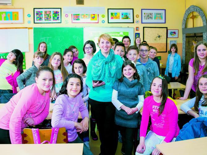 Ova nastavnica iz Niša je GENIJALNA: Kod nje MOBILNI nisu zabranjeni