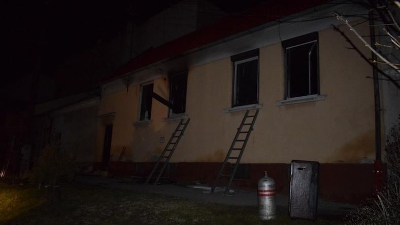 Kiégett egy családi ház Sopronban, egy idős asszony meghalt