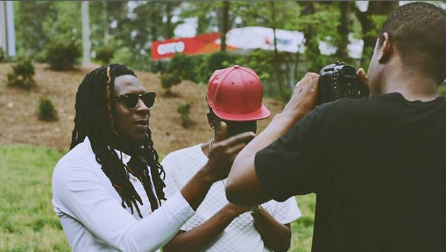 Mugeez and Deemoney on set