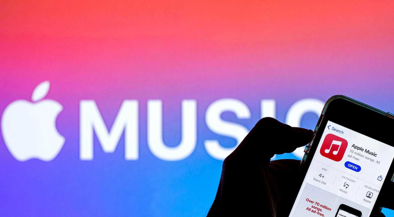 Apple Music reportedly said it will pay artists a penny per stream - double what Spotify pays