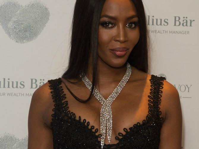 Gde je Naomi tu je seksepil: Godine joj ne mogu ništa i tačka!