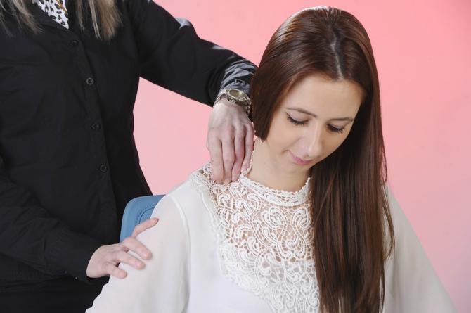 Napetost u vratu može da reši i masaža