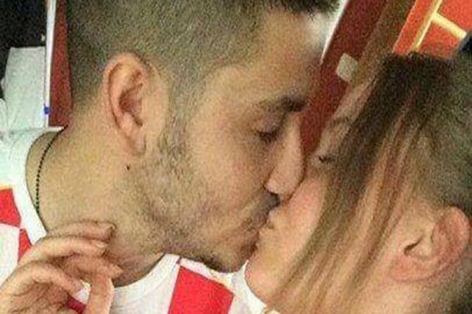 Srbin i Hrvatica su se poljubili i poslali celoj eks-Ju snažnu poruku