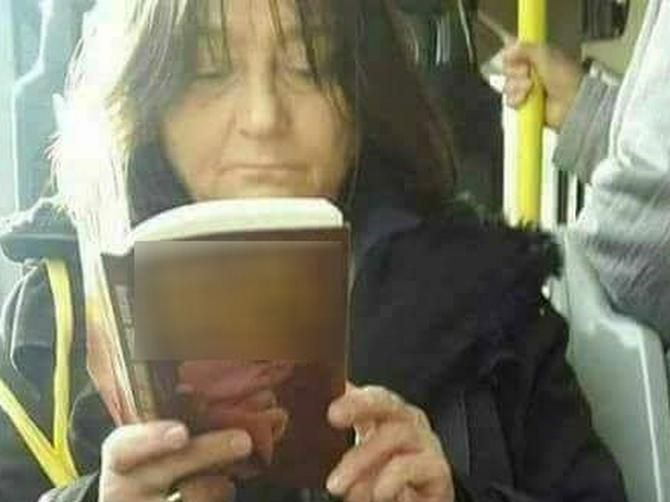 Kada se ova Beograđanka provoza prevozom, SVI PUTNICI BEŽE: A kad vidite ŠTA drži u rukama, shvatićete i zašto