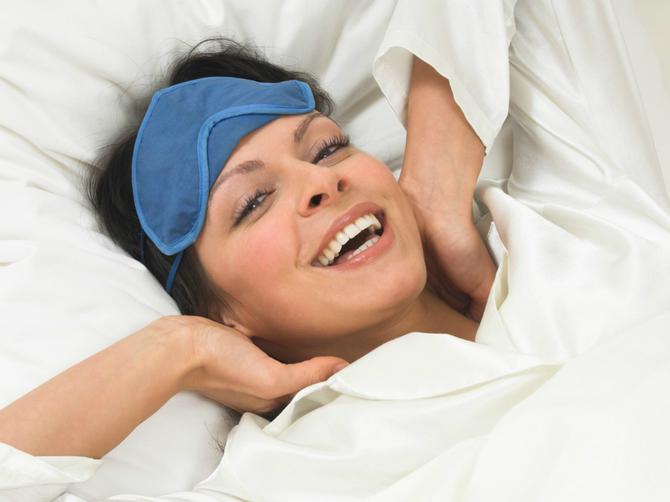 Pomešajte ova dva sastojka pred spavanje i više se NIKADA nećete probuditi umorni!