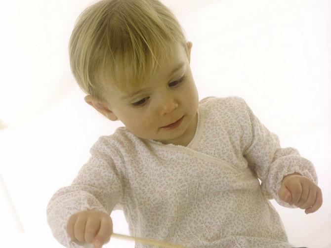 Muzika je važna za razvoj deteta: Malim bebama puštajte Mocarta