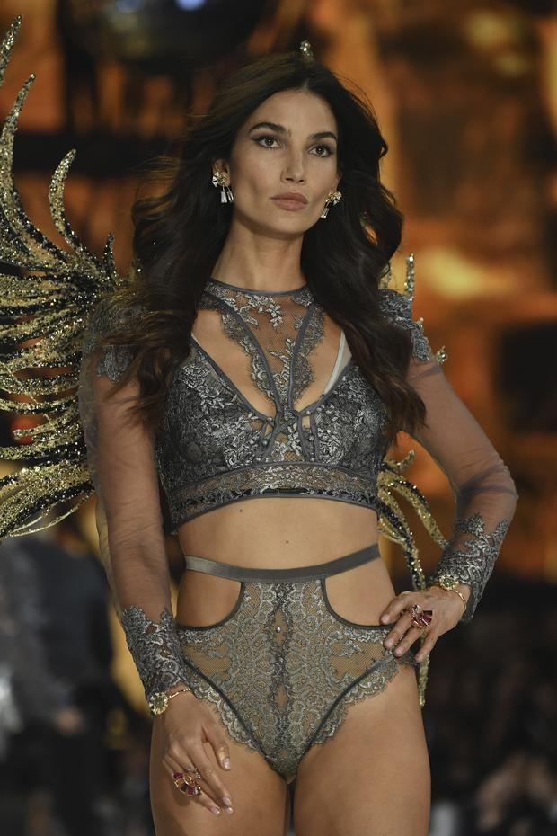 Lily Aldridge tiež pózovala. (Foto: Getty Images)