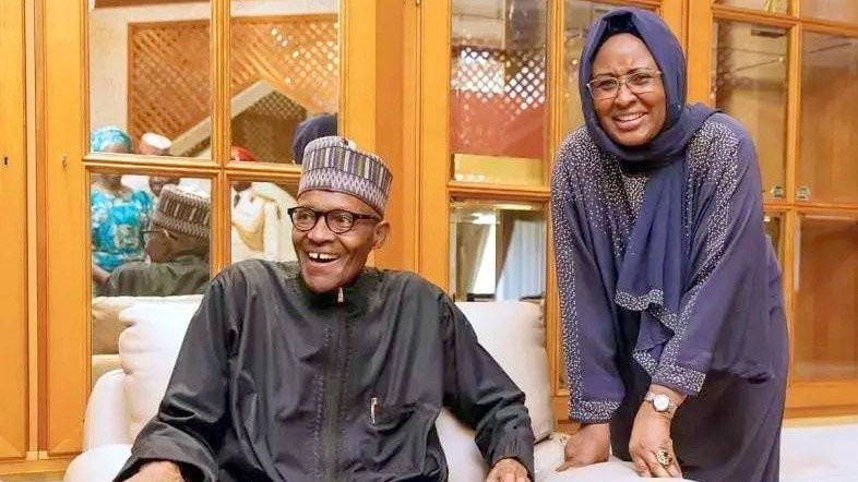 Buhari and Aisha share a joke after one of his medical trips abroad (Presidency)