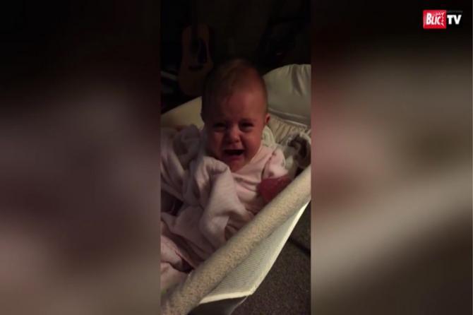 Od suza do smeha za samo jednu sekndu: Ona je rođena za život ispred kamere!