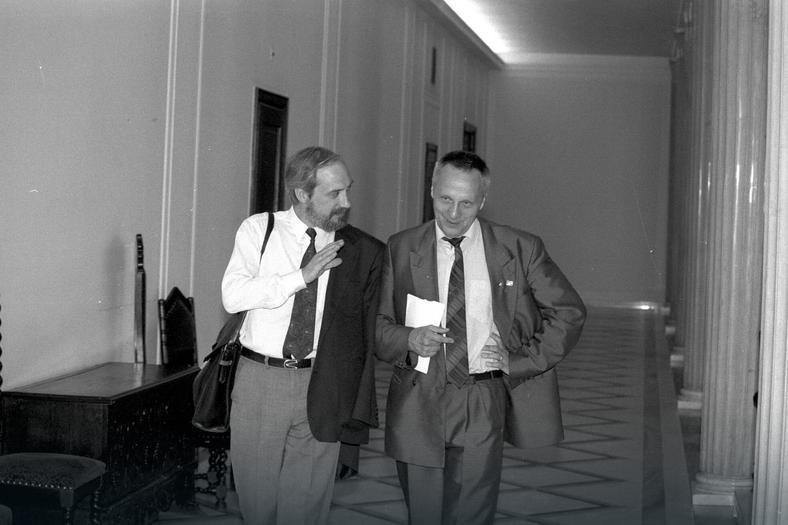 Rok 1992. Antoni Macierewicz i Stefan Niesiołowski w Sejmie