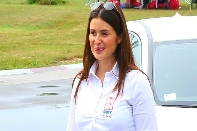 Jedina žena reli vozač u Srbiji: Buduća mama ima dve važne poruke za vas! (VIDEO)