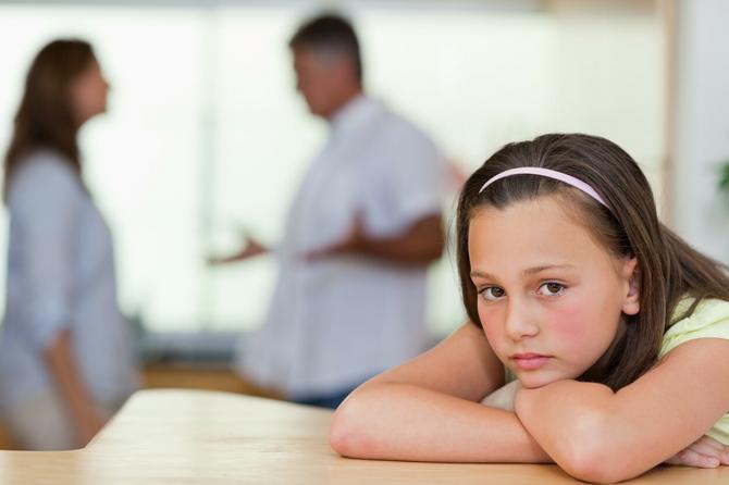 Moj muž ima ćerku iz prvog braka: Očekuje da joj JA SAMA platim školovanje iz OVOG UŽASNOG RAZLOGA