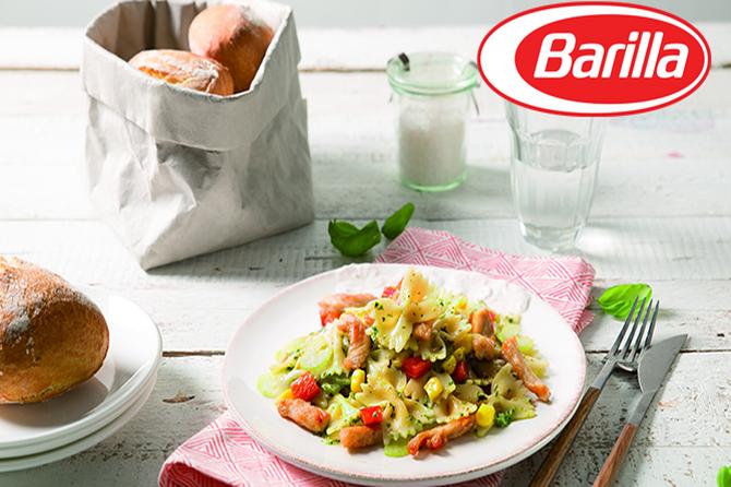 Salata s testeninom Farfalle sa sosom Pesto Genovese, pečenom ćurkom i crvenom paprikom
