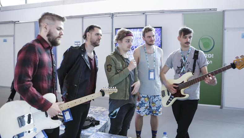 AWS. Kökényes Dániel, Brucker Bence, Siklósi Örs, Veress Áron és Schiszler Soma a zenekar első próbájára készül az Eurovíziós Dalfesztivál színhelyén, Lisszabonban 2018. május 2-án / Fotó:  MTI