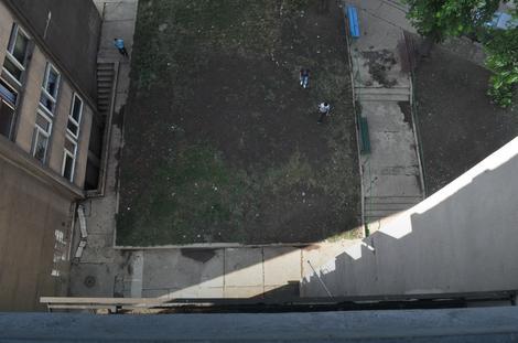 Mesto gde je pao M.S. sa zgrade