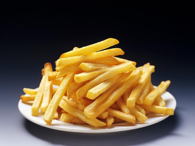 Mnogo pomfrita može da UBIJE! Ljudi koji ga jedu ovoliko puta nedeljno su u dvostruko većoj OPASNOSTI
