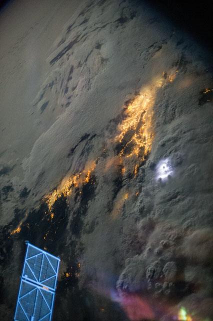 Burza nad rejonem Los Angeles i San Diego