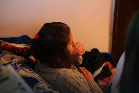 Devojčicu su tukli i snimali mobilnim telefonom
