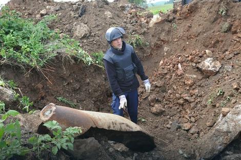 Deminer na Ponikvama: Ruševine kriju zaostale NATO bombe