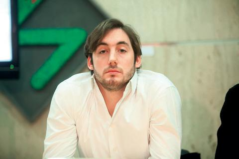 SAMO ŽENSKE OČI: Ovako izgleda Petar Strugar bez majice!