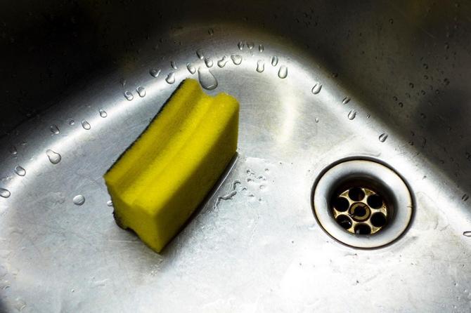 Njime se obično pere sve - od sudopere do stola