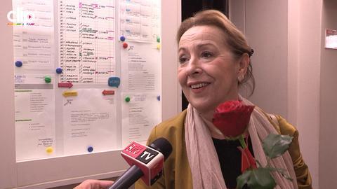TOTALNA TRANSFORMACIJA: Ovo što je ona uradila, mnoge bi koleginice ODBILE! VIDEO
