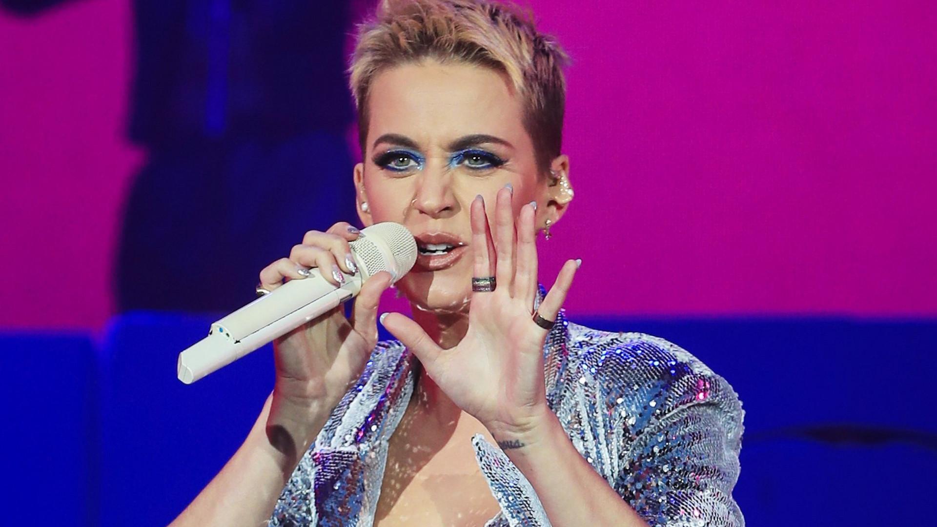 Stars                   #MeToo Katy Perry wird sexuelle Belästigung vorgeworfen                                             13.0