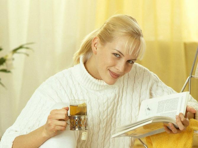 Sve više ljudi pre spavanja stavlja luk u čarape. A razlog će vas oduševiti!