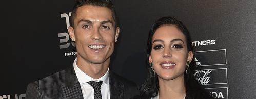 Cristiano Ronaldo gyönyörű barátnője megmutatta 1cc4896ca2