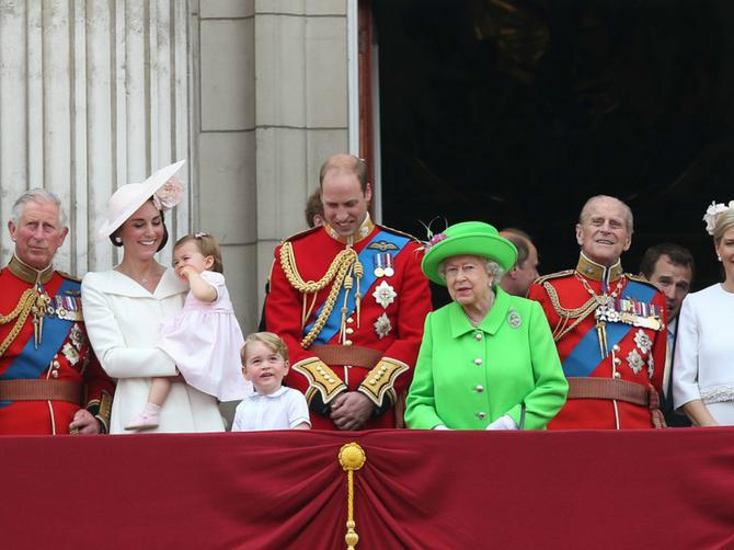 Tajna pravila braka kraljevske porodice: Peto je NAJIRITANTNIJE!
