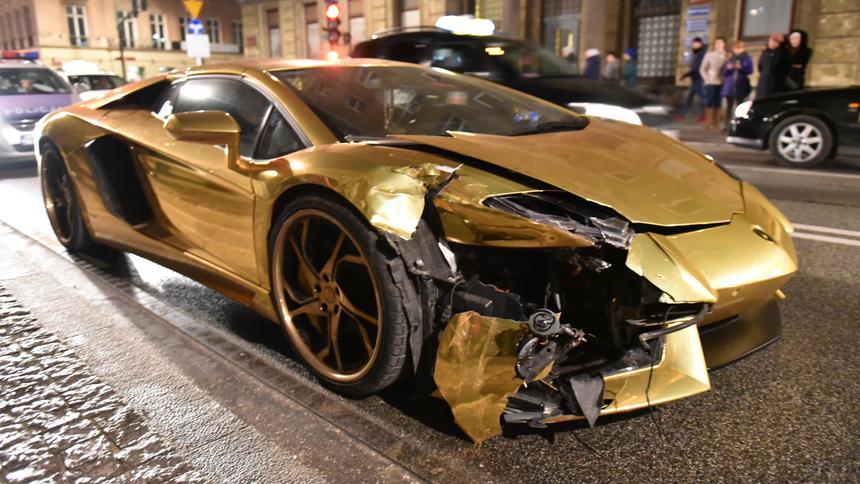 Warszawa Ile Będzie Kosztowała Naprawa Złotego Lamborghini