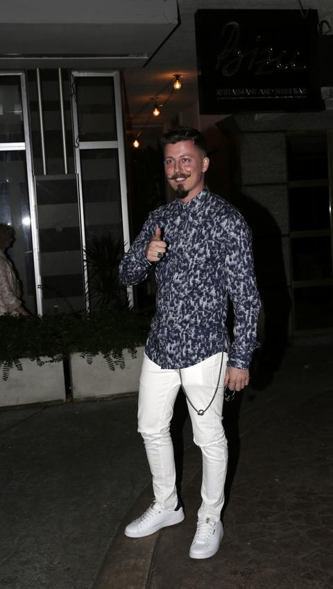 MOMAČKI ŽIVOT! Zavirite u simpatičan stan Milana Dinčića Dinče!
