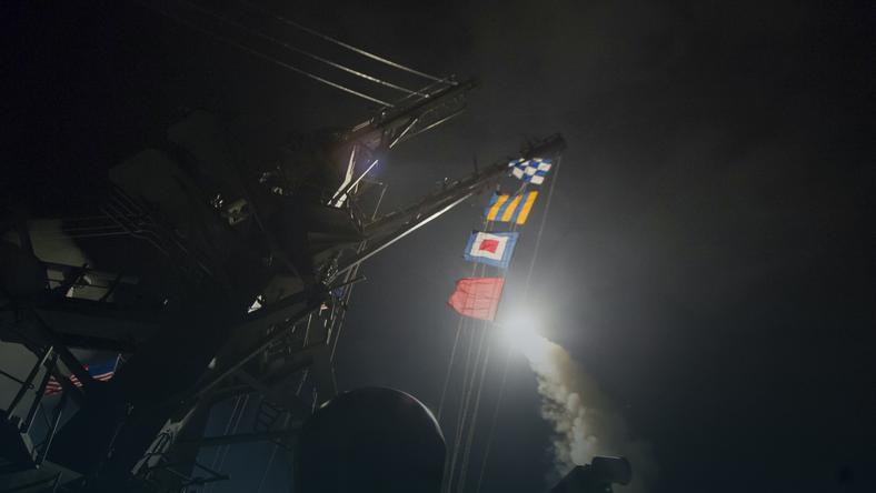 W nocy z czwartku na piątek Stany Zjednoczone zaatakowały Syrię 59-pociskami samosterującymi Tomahawk